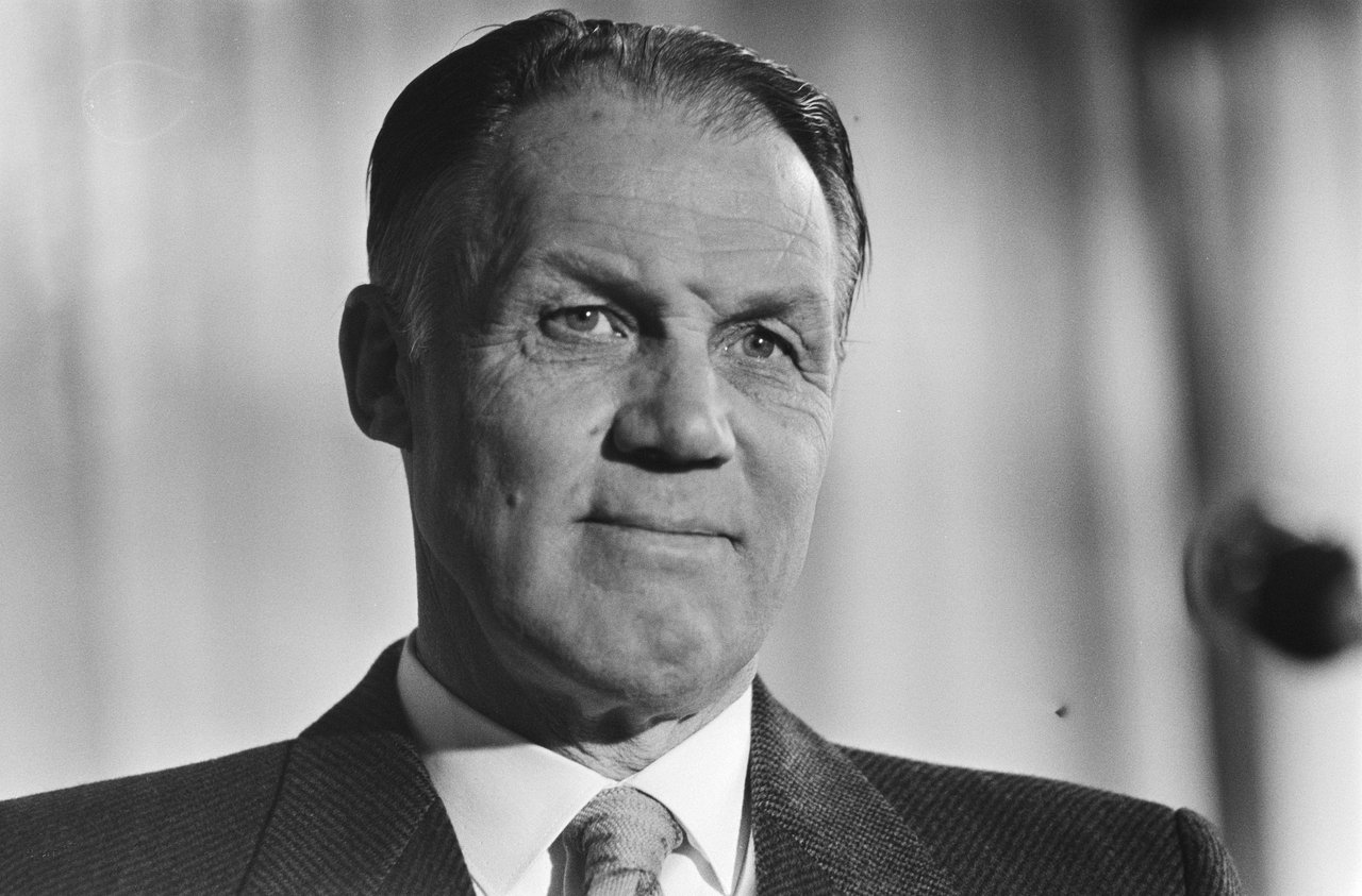Portrait of an iconic manager – Rinus Michels Footie Central