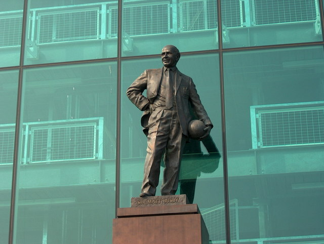 sir matt busby statue